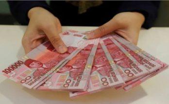 Karyawati Bank Gondol Duit Miliaran